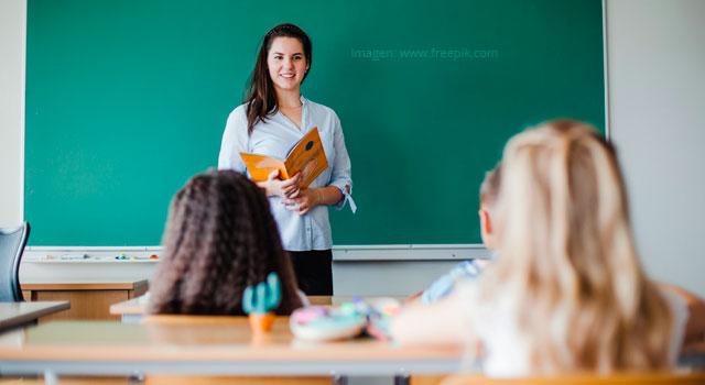 """""""A mis estudiantes no les puedo fallar en su proceso de formación"""": Sergio Rivera"""