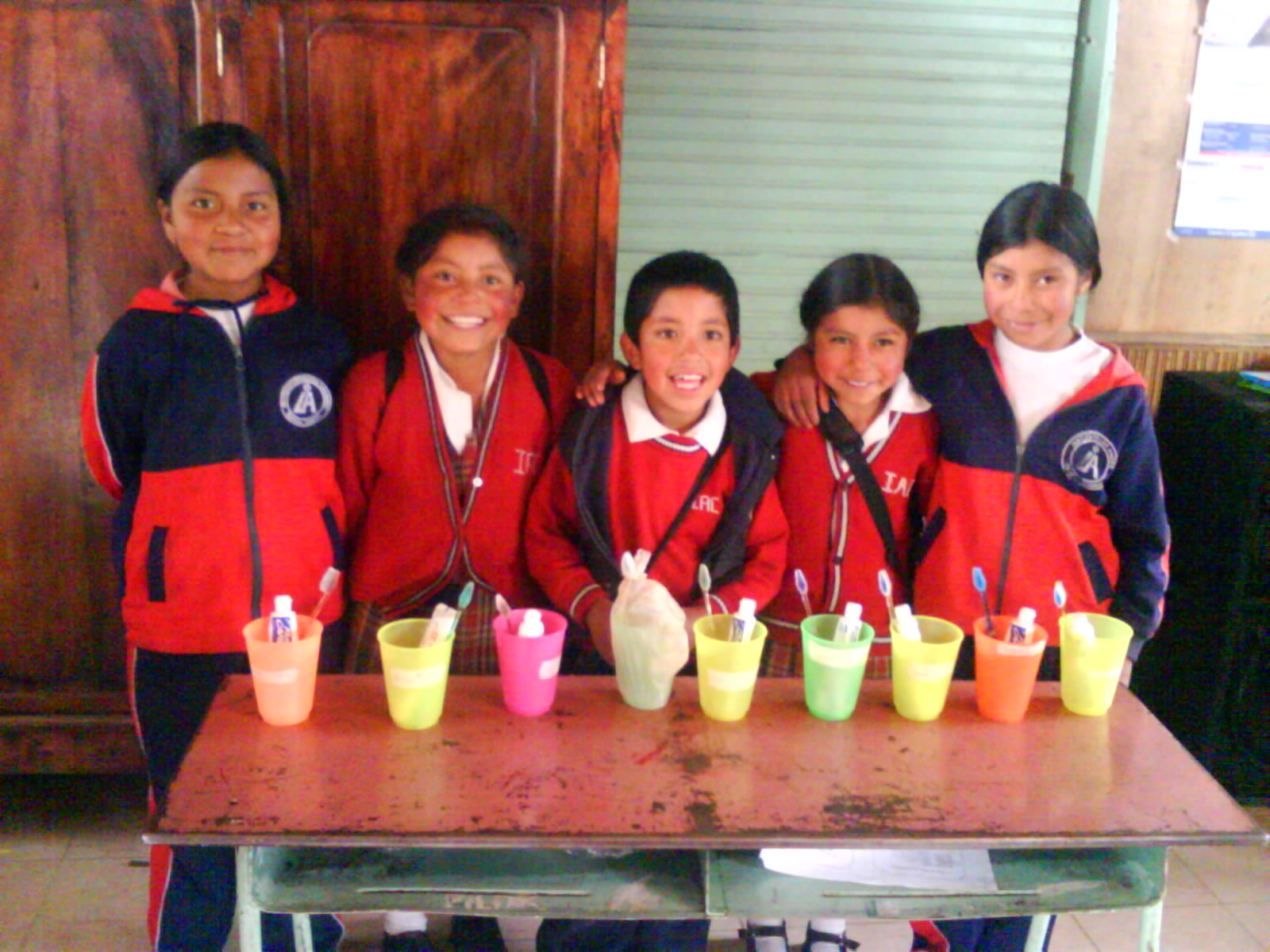 Alumnos colegio rector Luis Iván Caipe Suenan