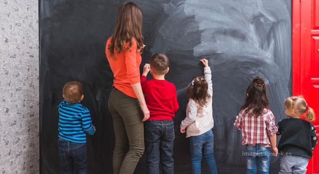 El maestro como eje central en el desarrollo de una sociedad igualitaria