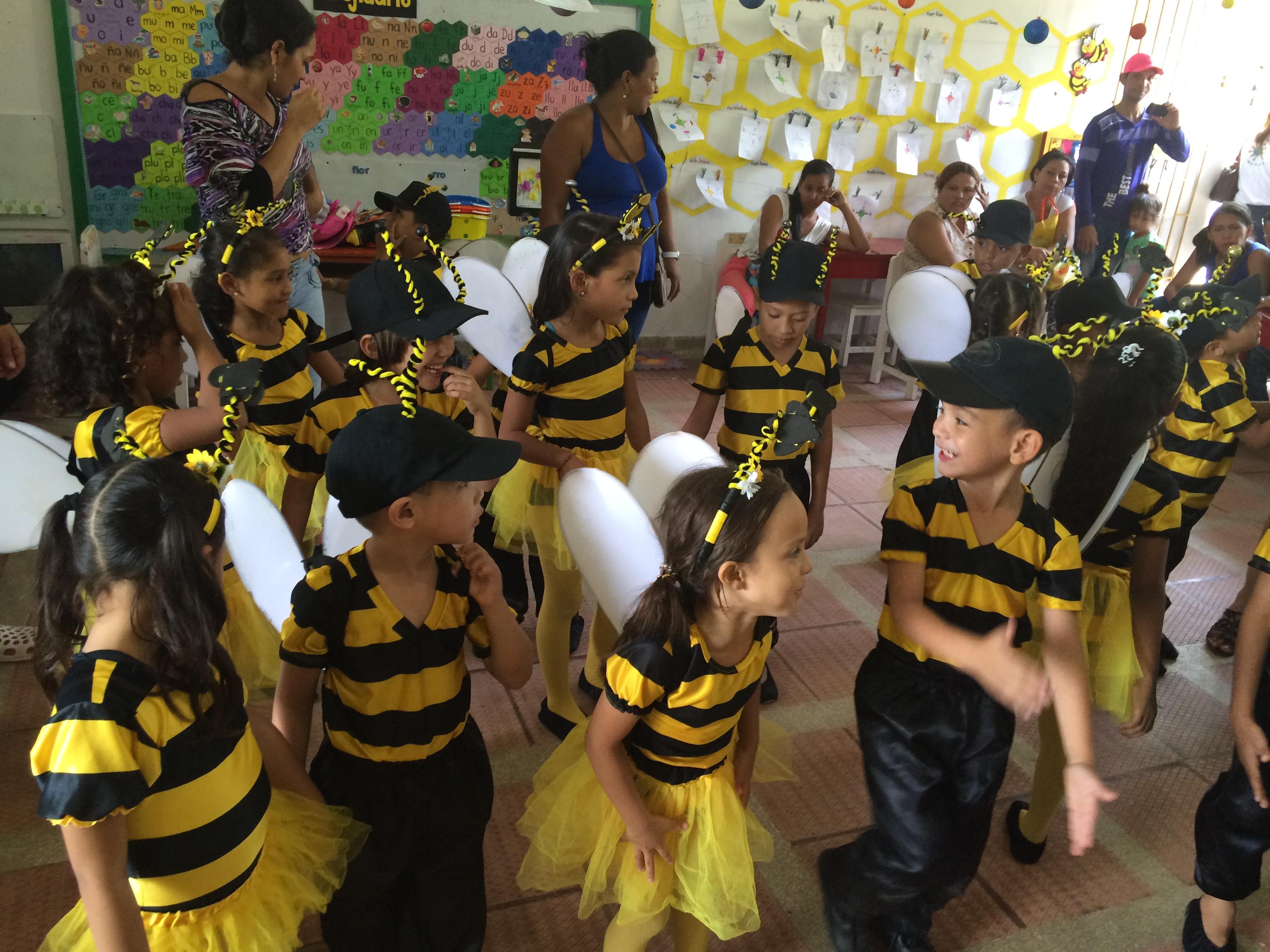 Colmena de abejas estudiantiles