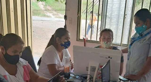 Mujeres en San Vicente del Caguán se suman a Escuelas Digitales Campesinas
