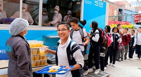 comedores escolares móviles de Bogotá
