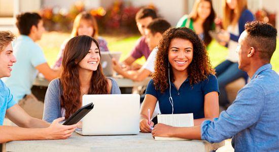 La educación necesita de tecnología pero también de mucho más. Hacia una ecología del aprendizaje